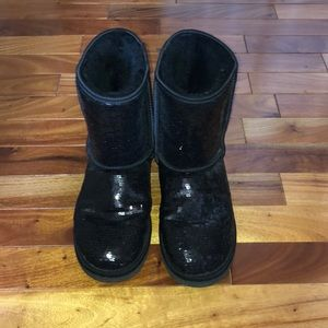 Black Sequin Uggs in very good condition
